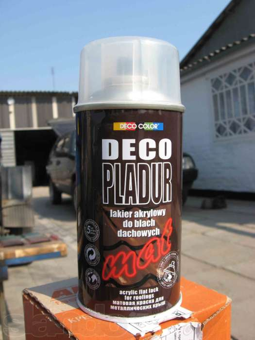 Акриловая матовая краска в аэрозольном баллоне, предназначенная для металлических крыш.