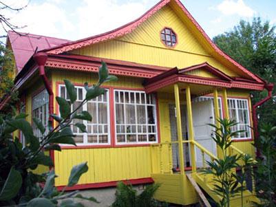 Чем ярче ваш дом, тем он будет более привлекательным и заметным со стороны