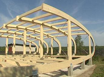 Деревянная конструкция, служащая началом возведения спортивного комплекса