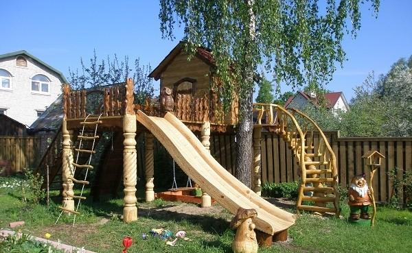 Детская площадка из натурального природного материала