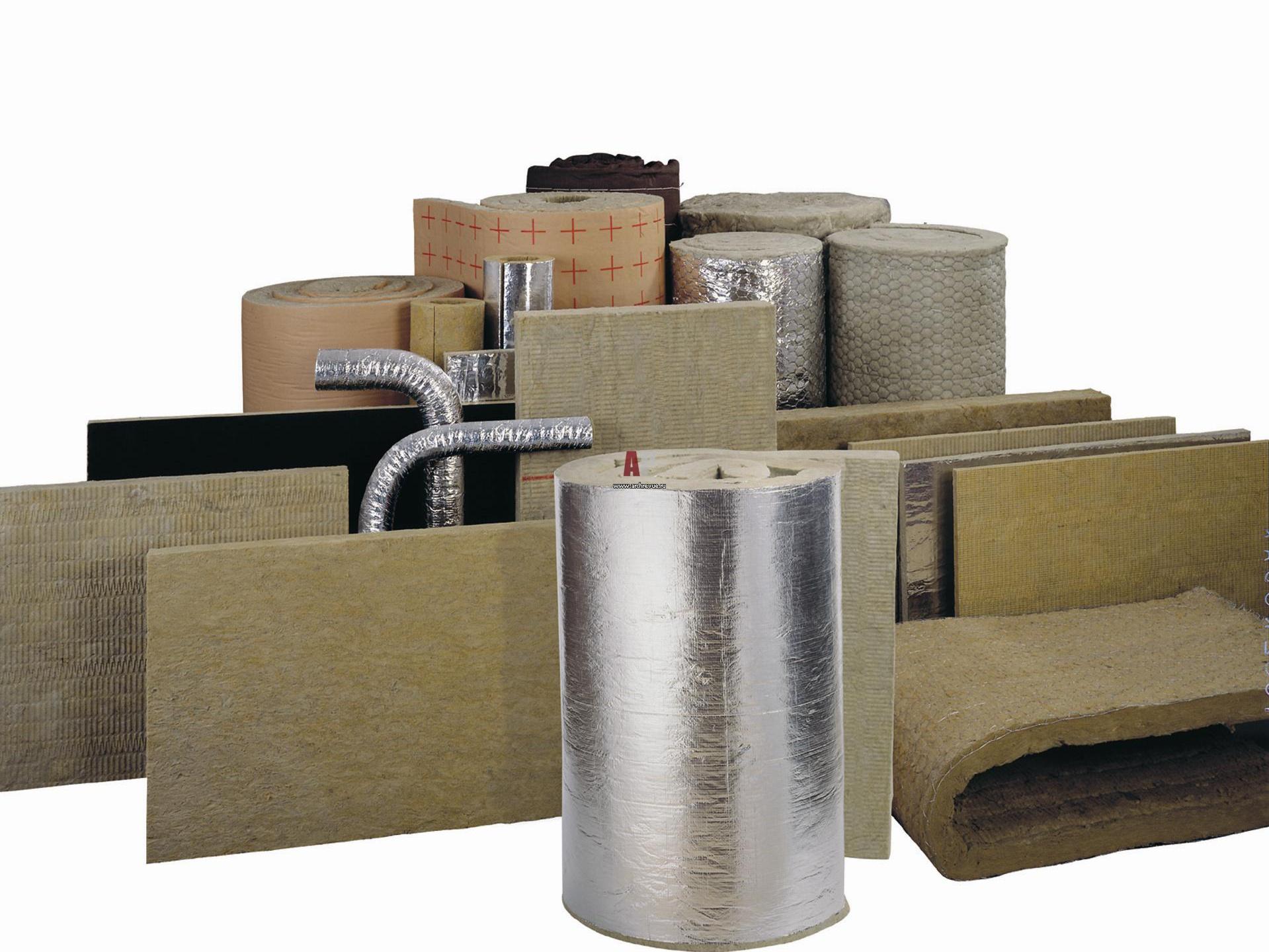 Для теплоизоляции здания из бруса или бревна можно использовать разные технологические решения