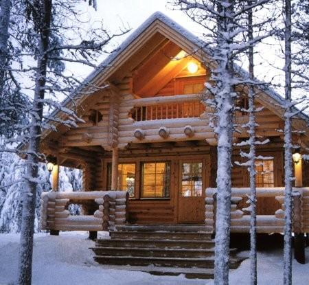 Дом из бревен остается теплым даже в лютую стужу.