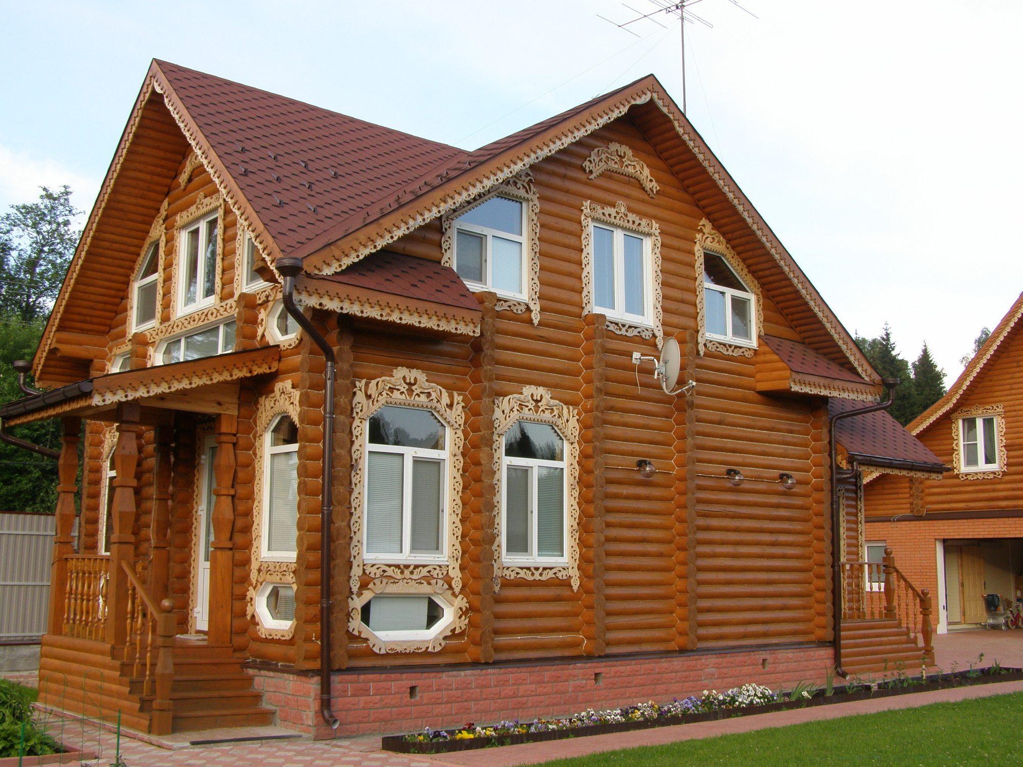 Дом, украшенный наличниками