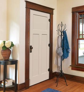 Дверной деревянный блок для дачи и для квартиры