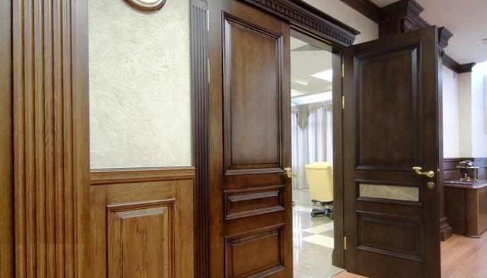Двойные межкомнатные двери из массива дуба