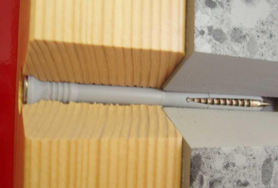 Дюбели – удобный вариант, который очень просто использовать: в стену вставляется пробка и в нее забивается гвоздь, который распирает хвостовик и надежно держит элемент