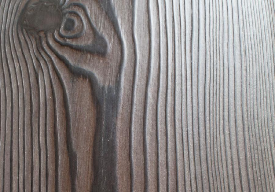 Фактура древесины после браширования.