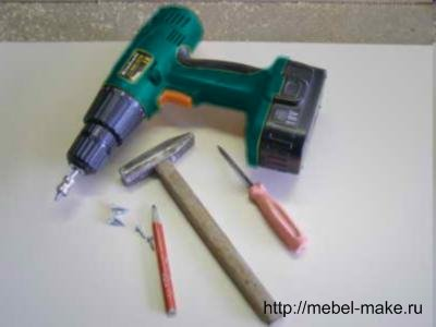 Фото принадлежностей для установки петель