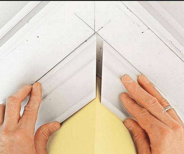 Как сделать стыки потолочного плинтуса без стусла