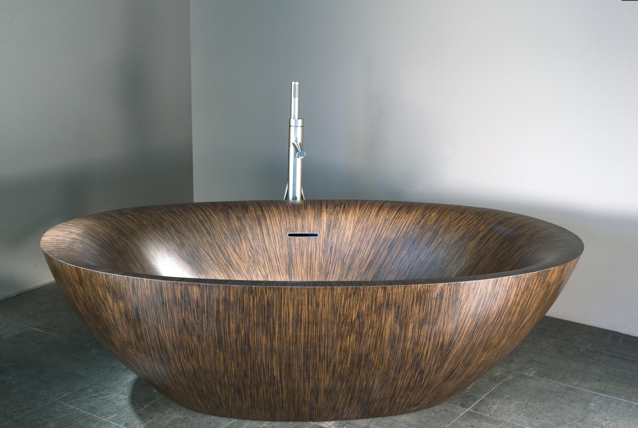 Фото ванны из дерева