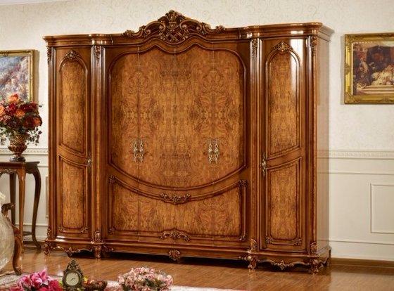 Хотите добавить немного роскоши в интерьер, закажите предмет мебели из натурального материала в каком-нибудь необычном стиле (как на фото)