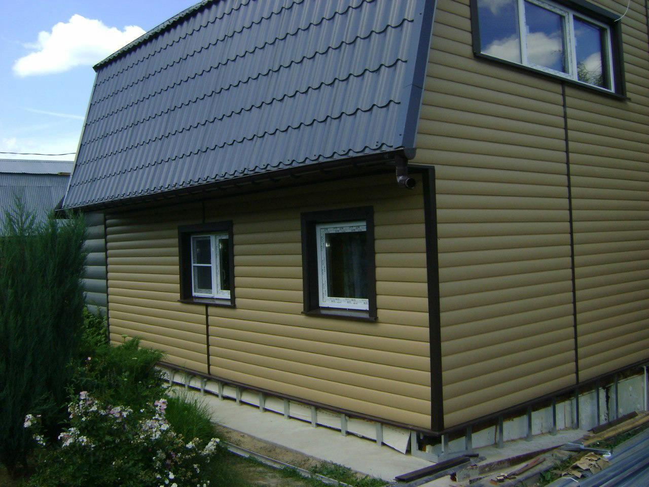 Имитация дерева – крыша может быть любого цвета.