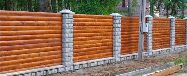 Использование панелей блок-хаус на заборе