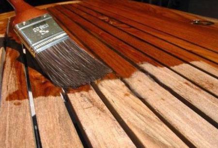 Используем матовый лак по дереву для отделочных работ