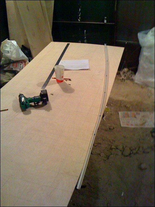 Изогнутые линии – самая ответственная часть работы при раскройке элементов