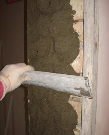 Как штукатурить стены под дверные наличники самостоятельно