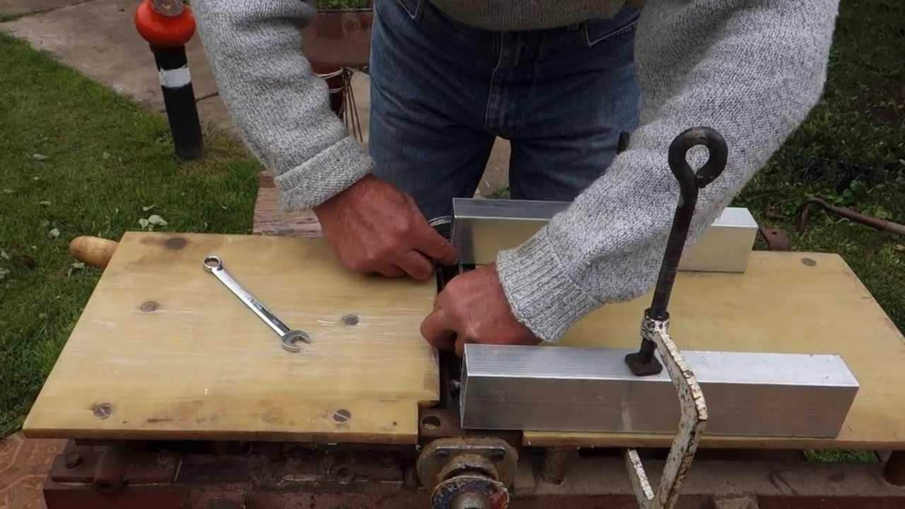 Как установить ножи на самодельном строгальном станке своими руками