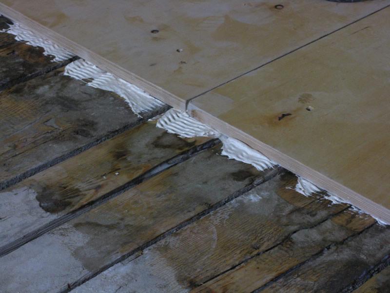 Укладка массивной доски на стяжку без фанеры