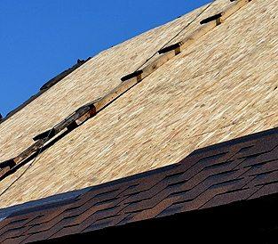 Крыша укрывается OSB-3 под битумную черепицу