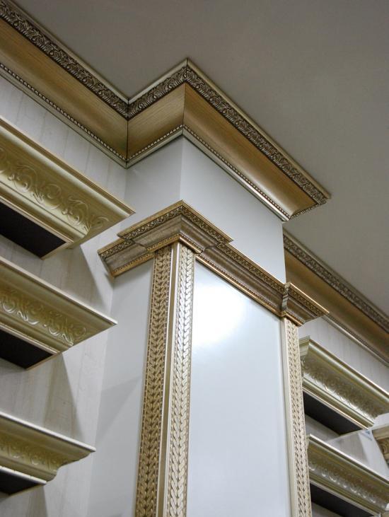 Массивный золотой багет – отличное решение для роскошных обстановок