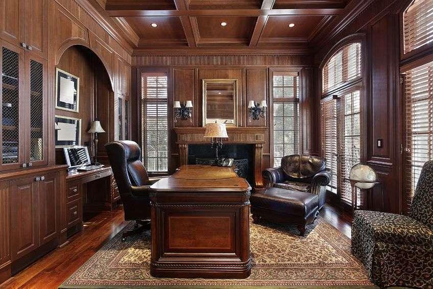 Мебель из благородных пород смотрится природно и роскошно