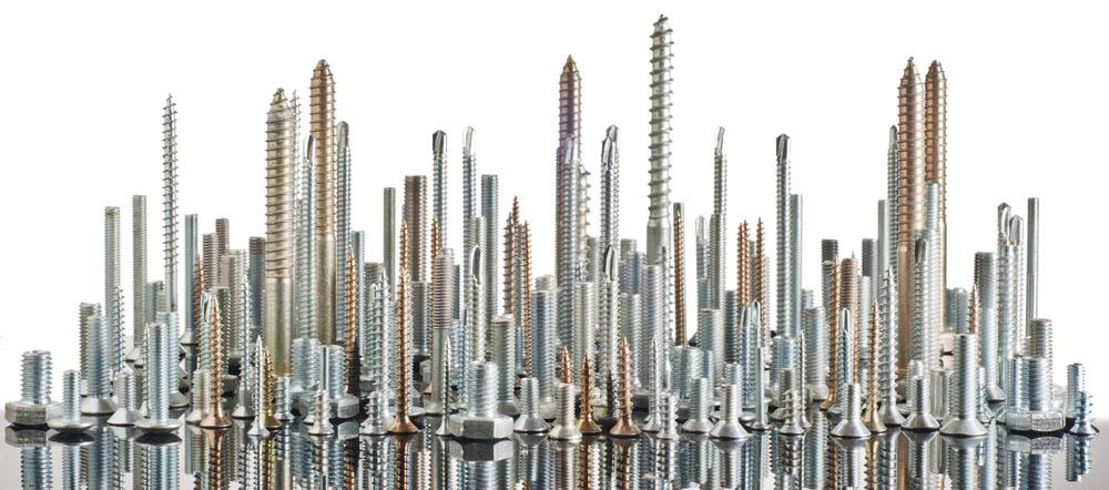 Метизы для крепления деревянных конструкций отличаются разнообразием форм и размеров
