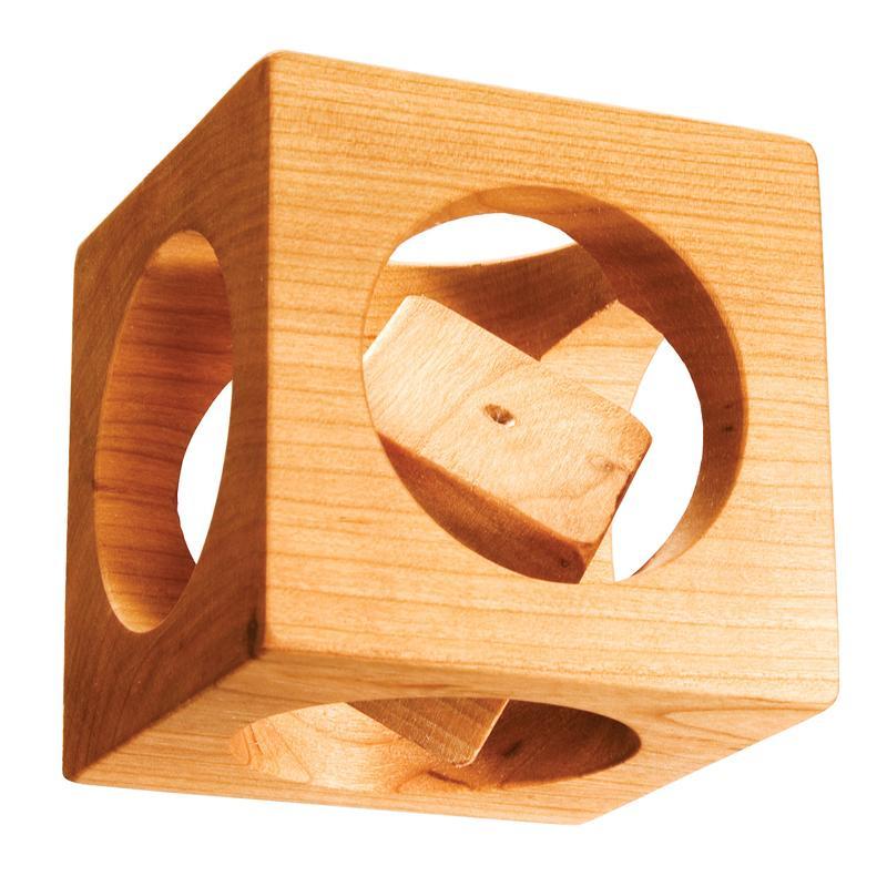 На фото - кубик в кубе