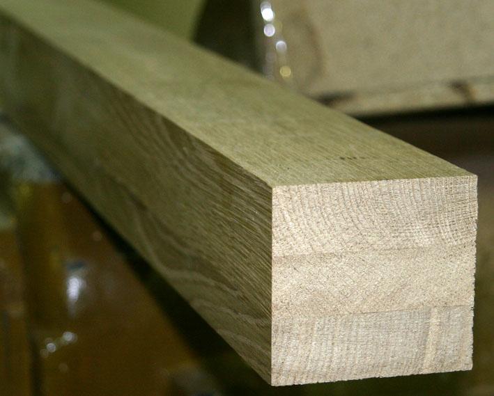 На фото демонстрируется продукция из дуба сечением 230х230 мм.