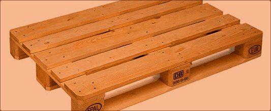 На фото: деревянные европаллеты используются практически повсеместно