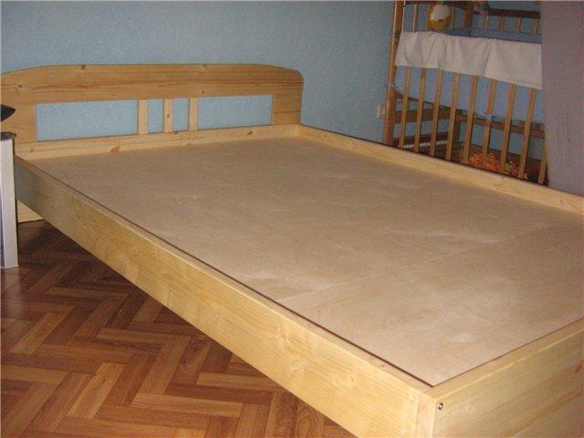 Видео как сделать двуспальную кровать своими руками