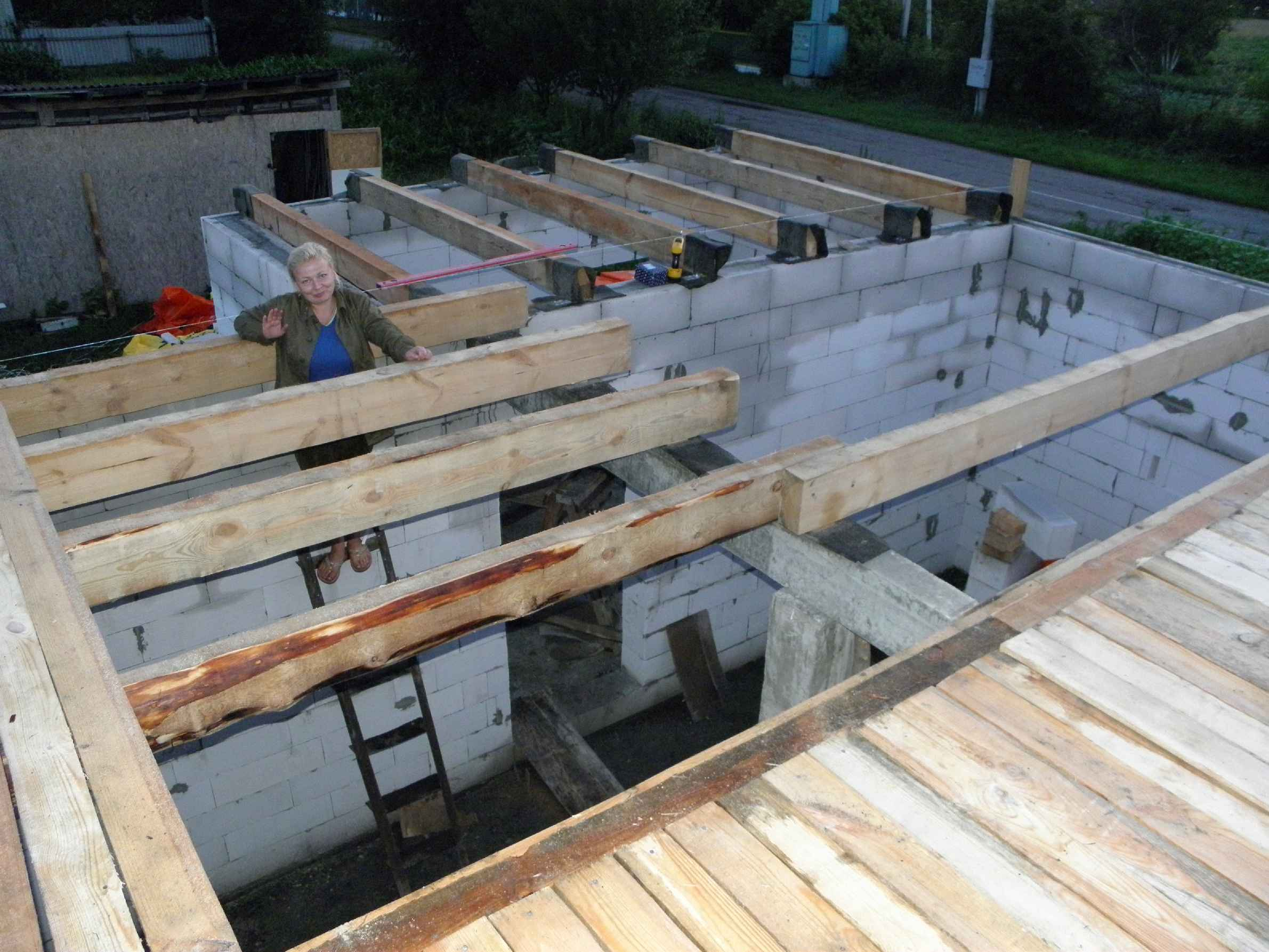 Перекрытие второго этажа по деревянным балкам