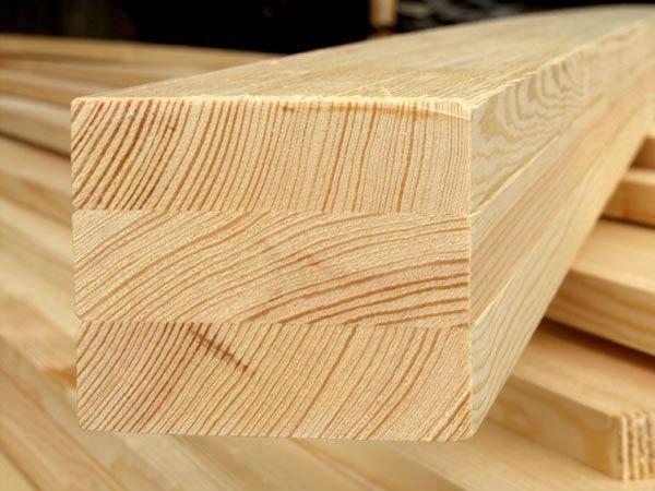Направление древесных волокон на срезе бруса