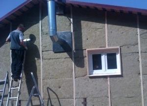 Наружное утепление необходимо, когда строение имеет тонкие стены