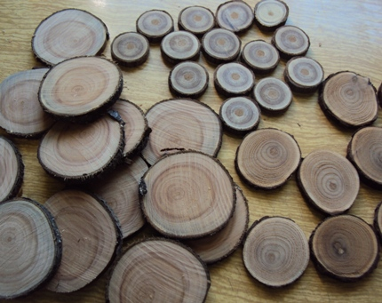 Как сделать стол из деревянных спилов своими руками 149