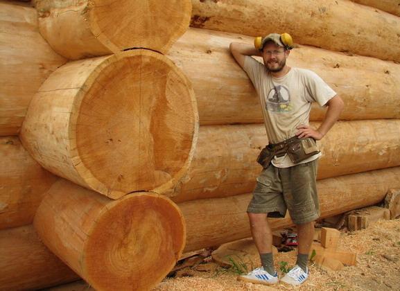 Недостаточно построить деревянный дом, его нужно защитить