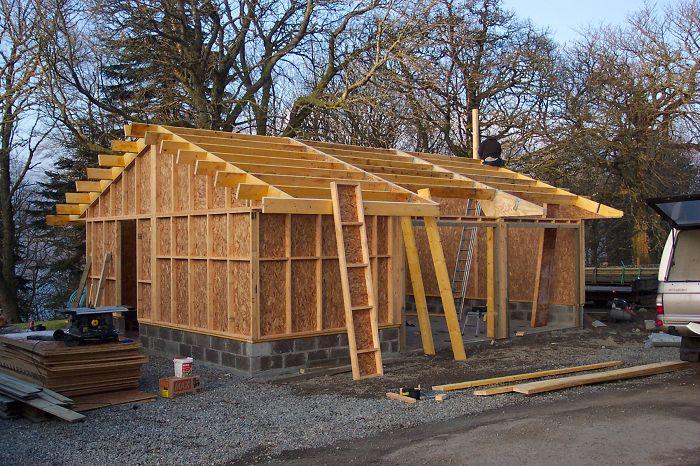 Как построить каркасный гараж из дерева своими руками