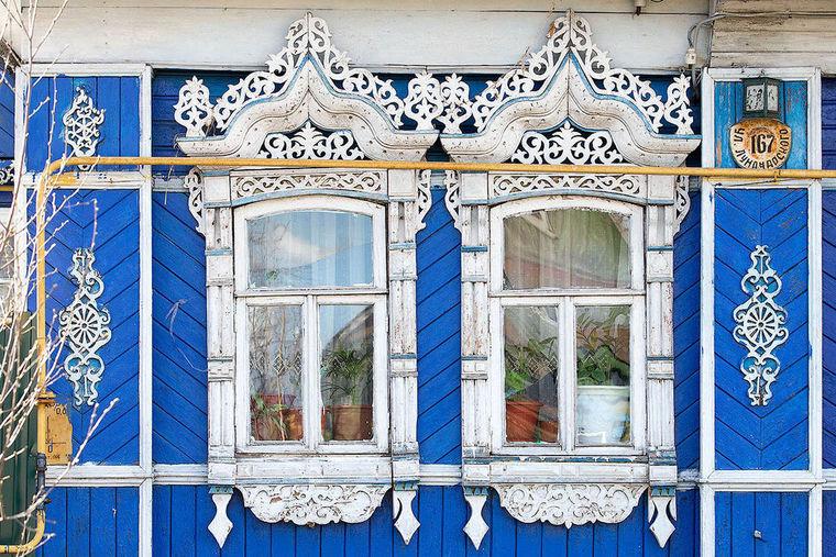 Особое внимание уделяли наличникам на окнах.