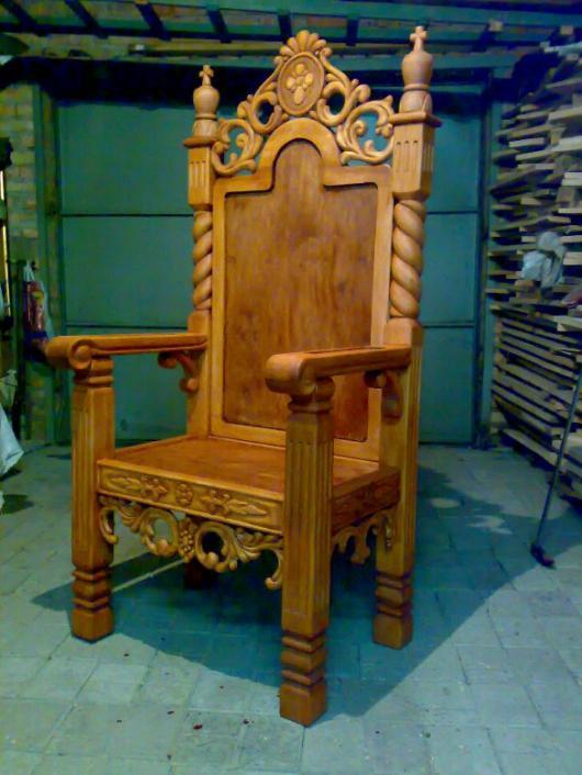 Стул своими руками трон 857