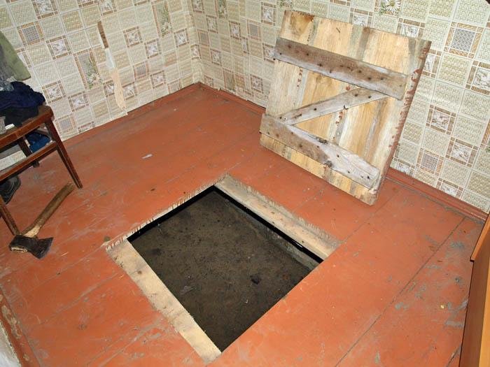 Как сделать секретный подвал