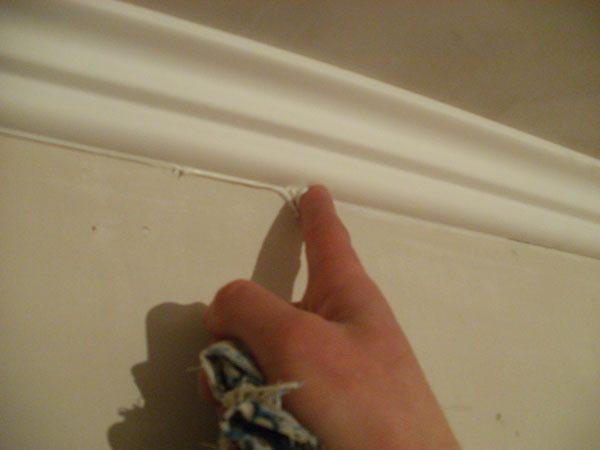 Монтаж потолочного плинтуса своими руками 6