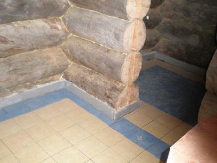 Плитка в бане на деревянный пол является надежной гидроизоляцией