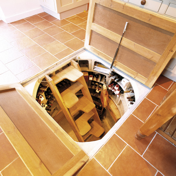 Подвал внутри дома – это удобно.