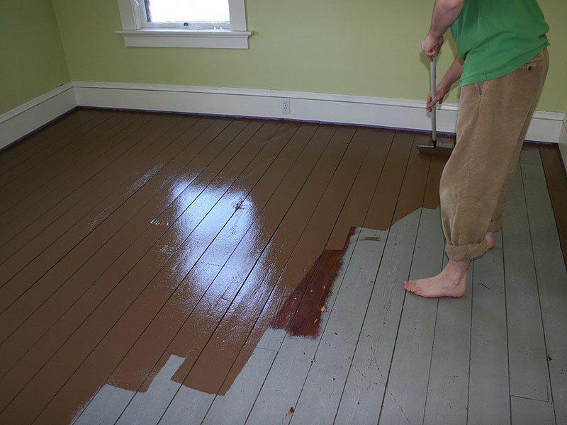 Полиуретановая водоотталкивающая краска для дерева, формирующая прочное износостойкое покрытие