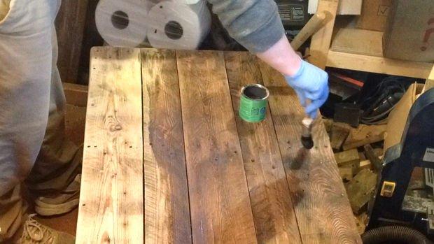 После финишной обработки столик можно использовать по назначению