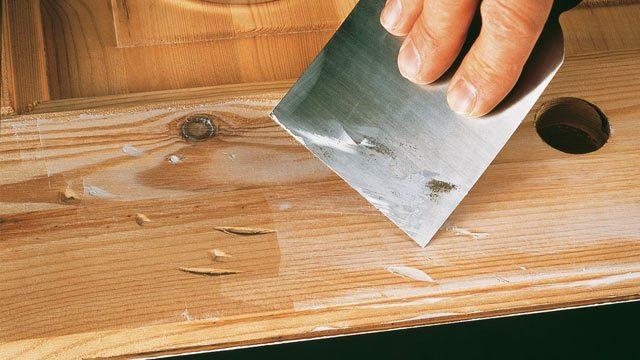 После процесса шпаклевания на поверхности не должно остаться никаких повреждений, поскольку они выравниваются, оставляя идеально гладкую площадку
