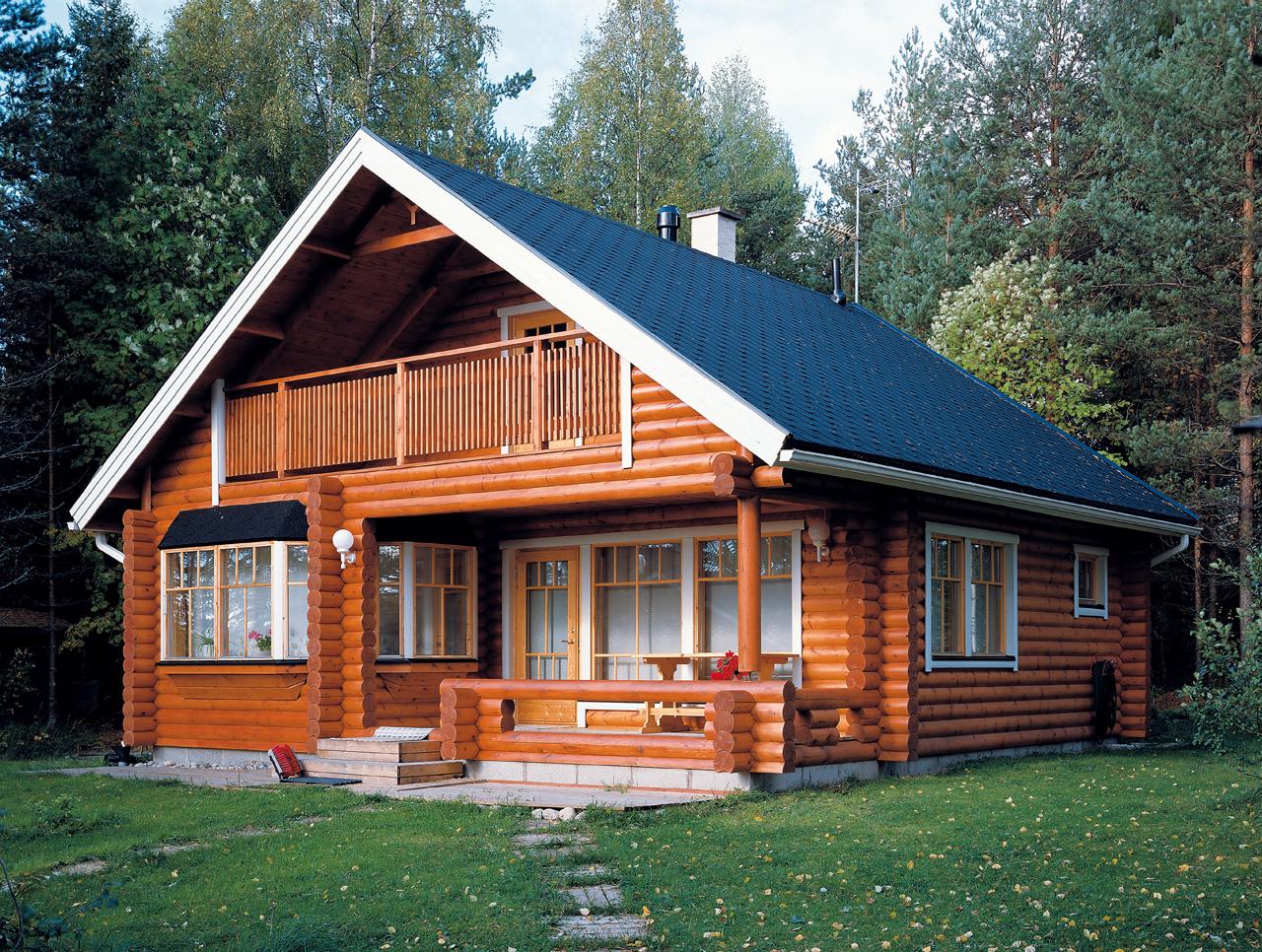 Постройка дома из дерева гарантирует сохранение тепла внутри даже в самые суровые зимы