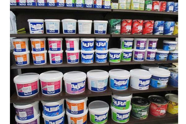Практически все немецкие компании не делают различие на краски и эмали, что приводит к довольно обширным линейкам определенных видов материалов и часто вводит некоторых мастеров в заблуждение
