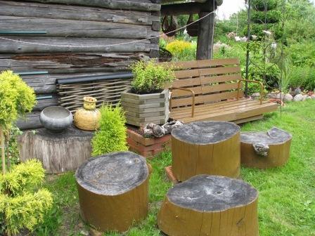 Практичные колоды-стулья