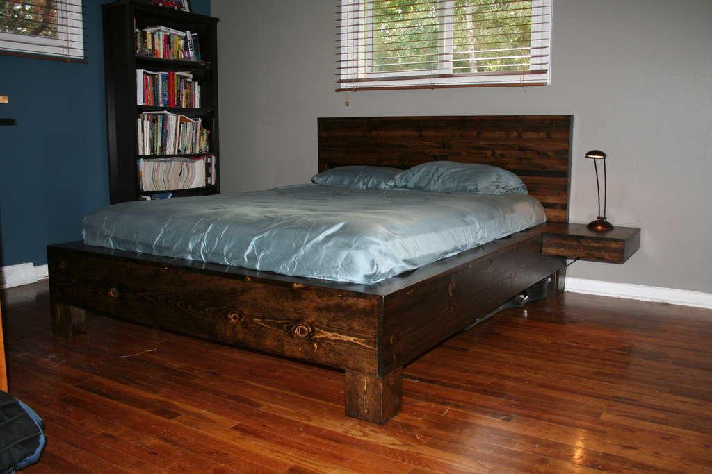 Сделать кровать из дерева своими руками фото