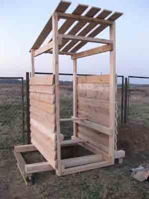 Строительство деревянного туалета своими руками